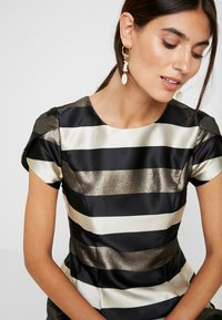 Apart - STRIPED DRESS - Robe de soirée - black/gold/cream - 4