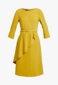 Apart - DRESS WITH BELT - Robe d'été - yellow - 5