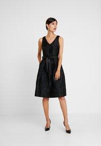 Apart - DRESS WITH BOW - Robe de soirée - black - 2