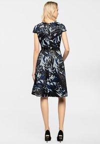 Apart - Sukienka koktajlowa - dark blue - 2