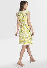 Apart - Robe d'été - cream yellow - 2
