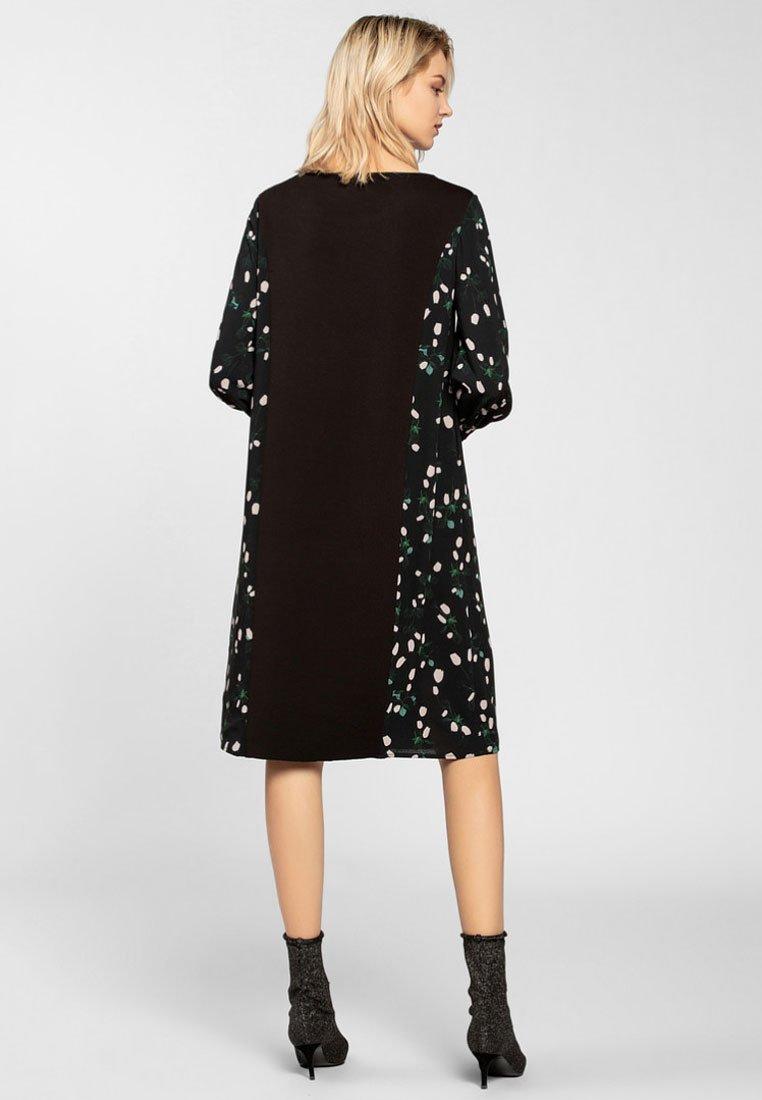 Apart Freizeitkleid - black | Damenbekleidung 2020