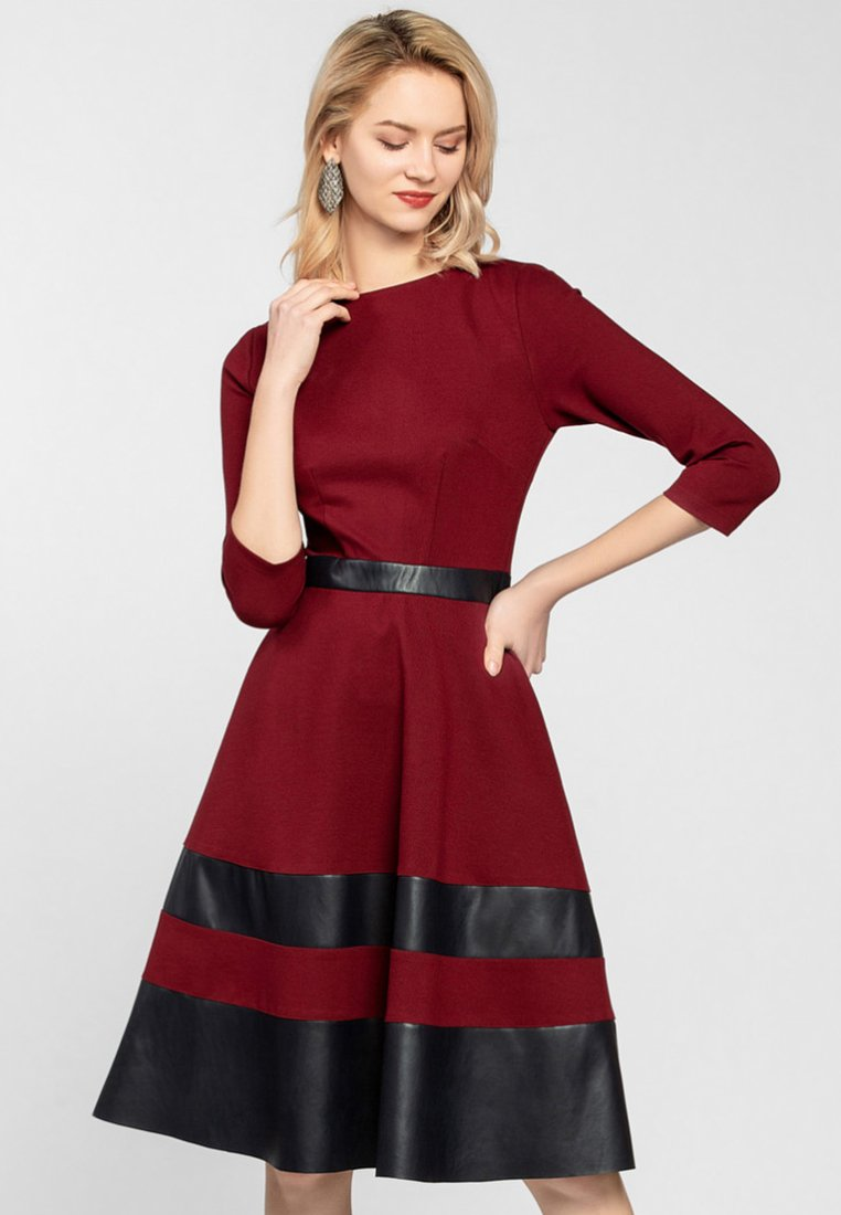 Apart - Robe d'été - burgundy/black