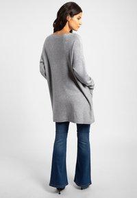 Apart - Robe pull - grey - 2