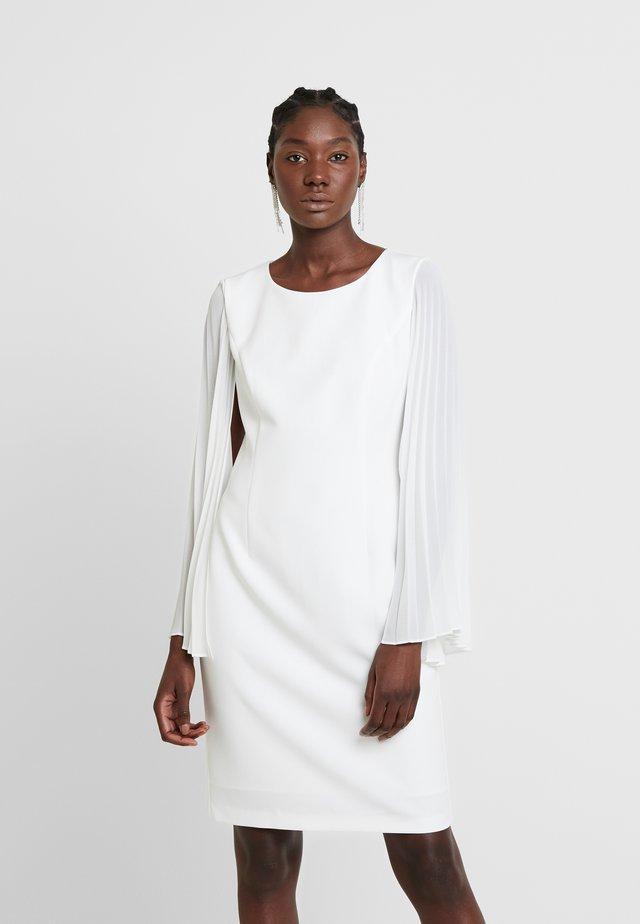Sukienka etui - cream