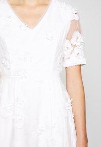 Apart - DRESS - Sukienka koktajlowa - cream - 7