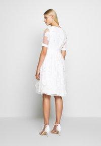 Apart - DRESS - Robe de soirée - cream - 2