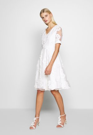 DRESS - Cocktailklänning - cream