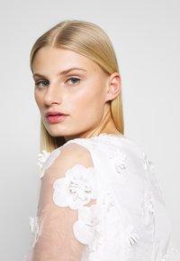 Apart - DRESS - Robe de soirée - cream - 3