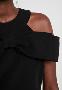 Apart - DRESS WITH BOW - Robe de soirée - black - 6