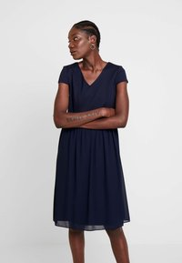 Apart - DRESS - Cocktailkjoler / festkjoler - midnightblue - 0