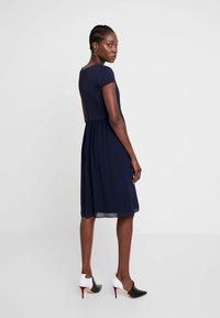 Apart - DRESS - Cocktailkjoler / festkjoler - midnightblue - 3