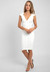 Apart - Robe fourreau - creme - 1