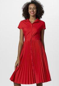 Apart - Robe chemise - red - 0