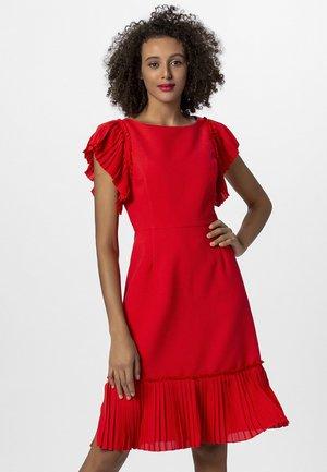 Robe d'été - red