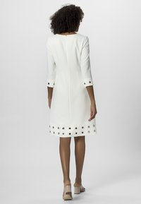 Apart - SOMMER - Robe d'été - white - 2