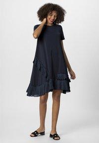 Apart - Denní šaty - midnightblue - 5