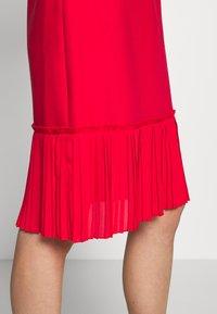 Apart - DRESS WITH VOLANTS - Vestito elegante - red - 5
