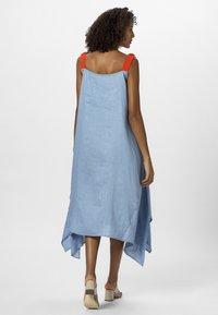 Apart - DRESS - Maxi šaty - lightblue/lobster - 2