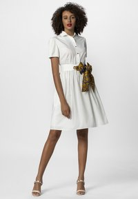 Apart - DRESS - Robe chemise - cream - 1