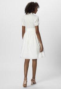 Apart - DRESS - Košilové šaty - cream - 2