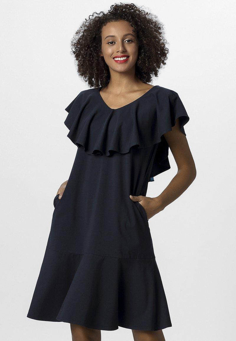 Apart - DRESS WITH VOLANTS - Denní šaty - midnightblue