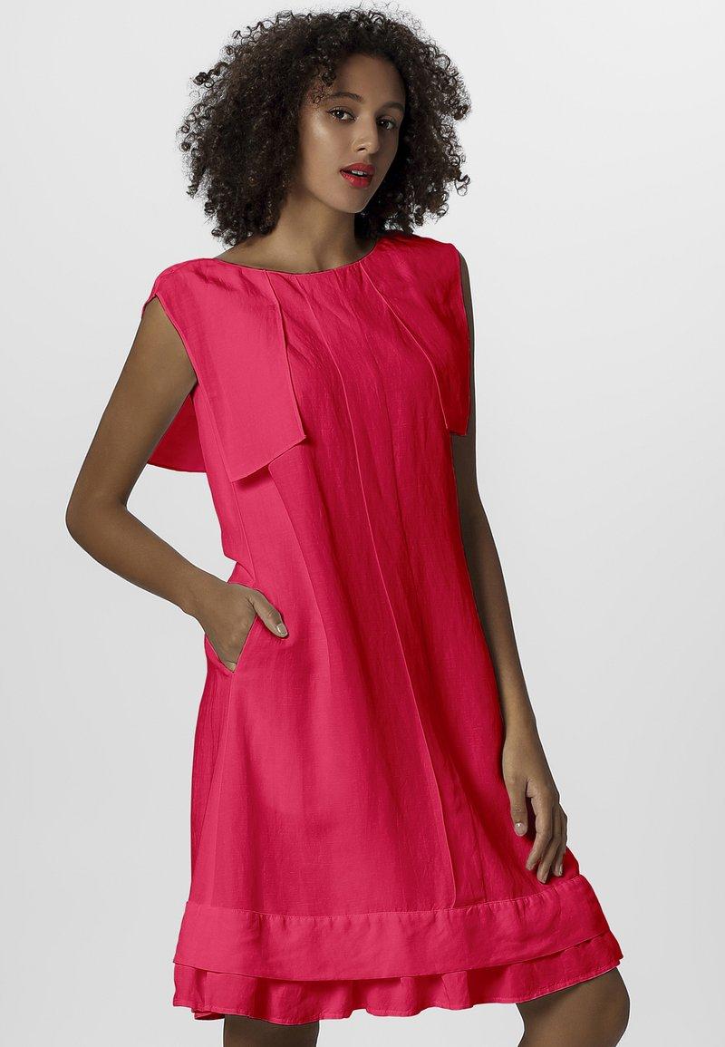 Apart - DRESS - Sukienka letnia - pink