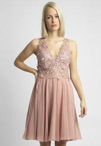 Apart - Sukienka koktajlowa - pink - 0