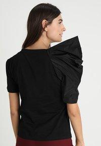Apart - T-shirt imprimé - black - 2