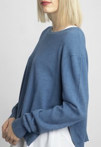 Apart - 2IN1 STRICKPULLOVER - Pullover - jeans blue - 3