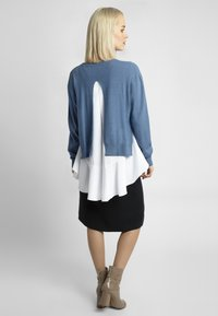 Apart - 2IN1 STRICKPULLOVER - Pullover - jeans blue - 2