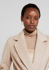 Apart - Zimní kabát - beige - 3