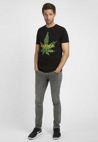 Apart - MIT DRUCK - T-shirt imprimé - schwarz - 5
