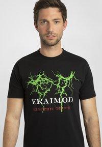 Apart - MIT DRUCK - T-shirt imprimé - schwarz - 4