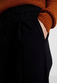 Benetton - CIGARETTE PANT - Kalhoty - black - 4