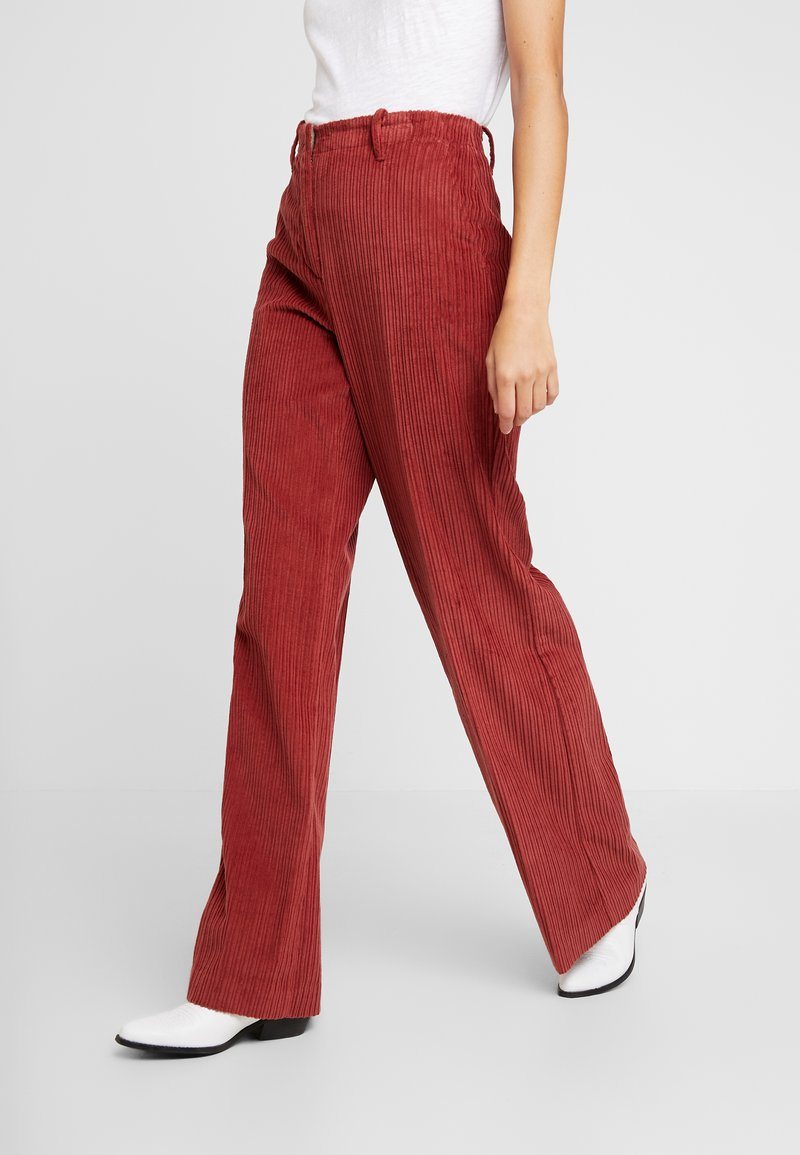 Benetton - WIDE LEG PANT - Kalhoty - toffee brown