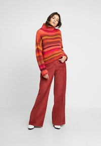 Benetton - WIDE LEG PANT - Kalhoty - toffee brown - 2