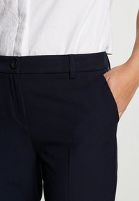 Benetton - TROUSERS - Bukse - navy - 4
