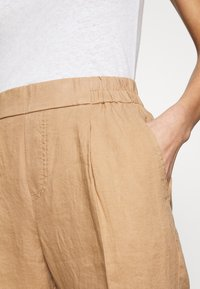 Benetton - TROUSERS - Tygbyxor - beige - 4