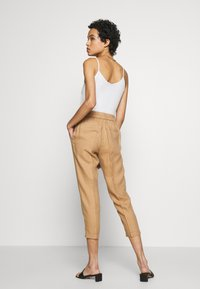 Benetton - TROUSERS - Tygbyxor - beige - 2