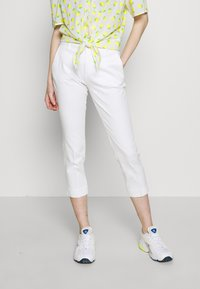 Benetton - TROUSERS - Trousers - white - 0