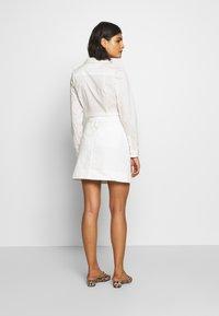Benetton - SKIRT - Áčková sukně - white - 2
