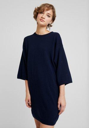 SHIFT DRESS - Pletené šaty - navy