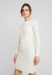Benetton - DRESS - Pouzdrové šaty - white - 0