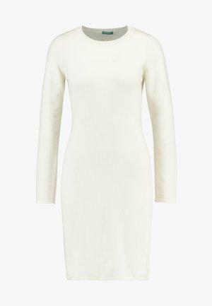 DRESS - Pouzdrové šaty - white