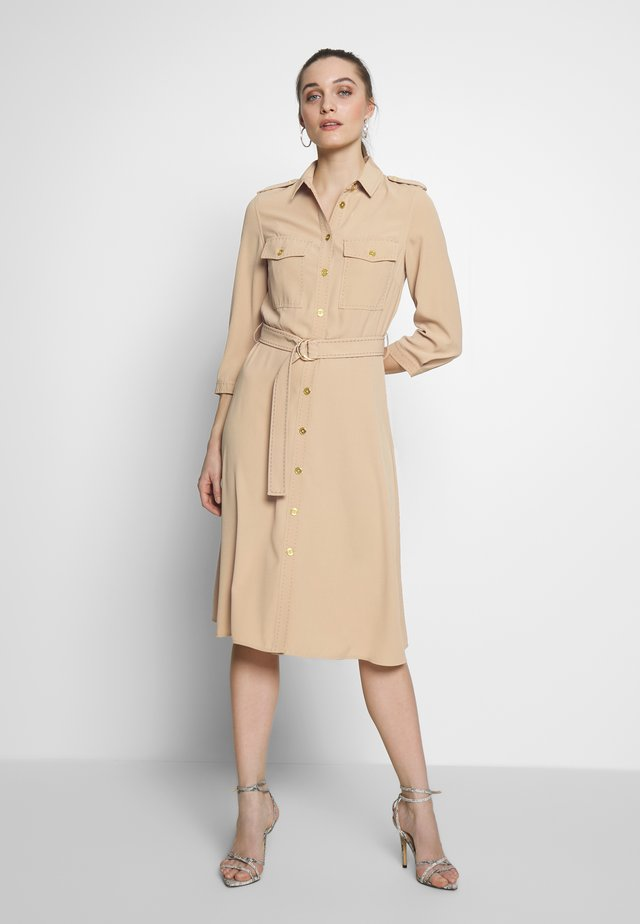 DRESS - Skjortklänning - beige