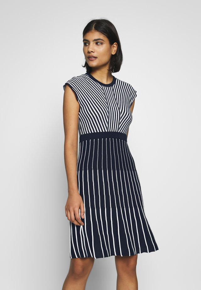DRESS - Gebreide jurk - navy