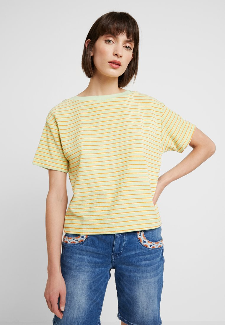 Benetton - MULTI STRIPE TEE - Camiseta estampada - yellow/orange/green