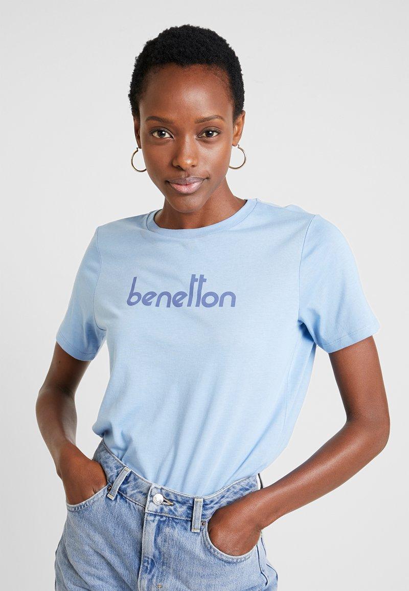 Benetton - ROUND NECK TEE LOGO - T-Shirt print - light blue