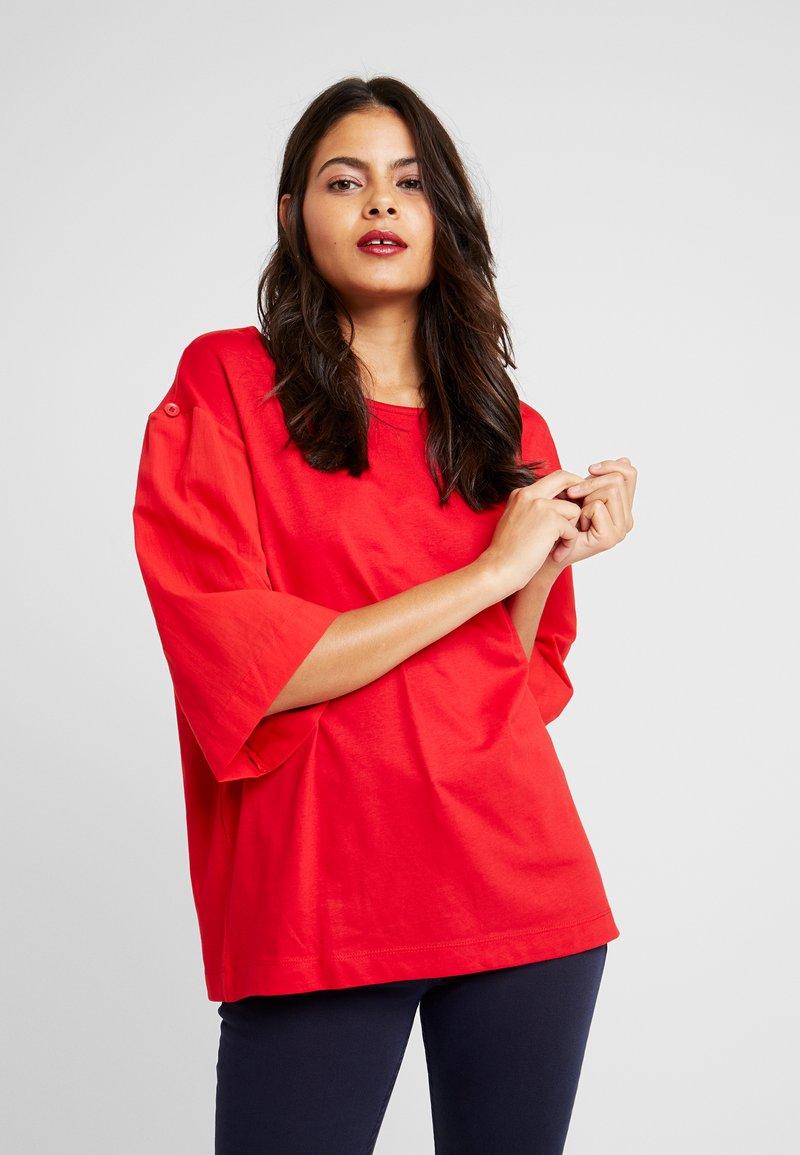 Benetton - T-shirt z nadrukiem - red